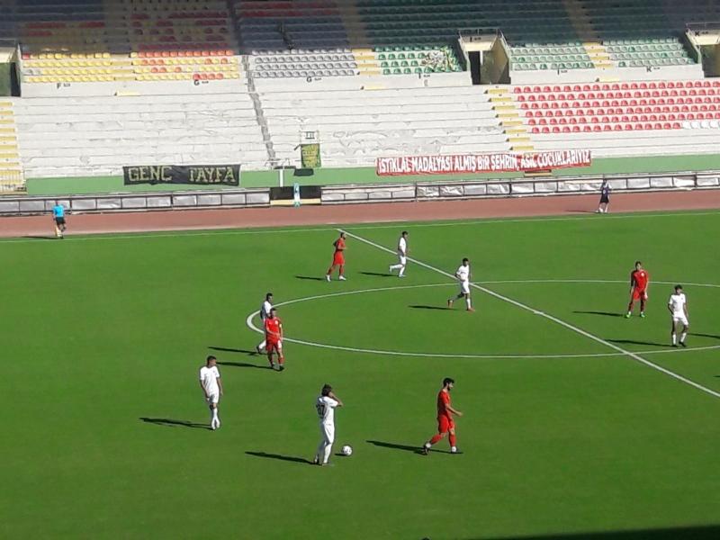 Şanlıurfaspor-Sancaktepe maçı başladı! Urfaspor 3 dakikada iki gol yedi!