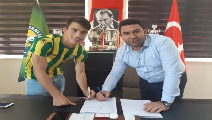 Şanlıurfaspor,17 Yaşındaki Oyuncusuyla Sözleşme İmzaladı