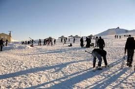 Şanlıurfa'ya mevsimin ilk karı yağdı