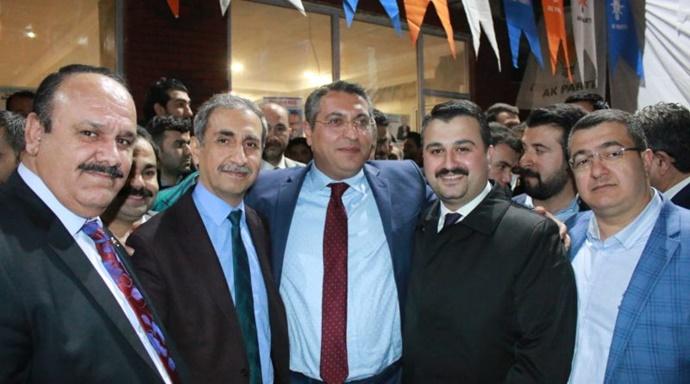 Serdar Şeyhanlıoğlun'dan Miting Gibi Seçim Bürosu Açılışı