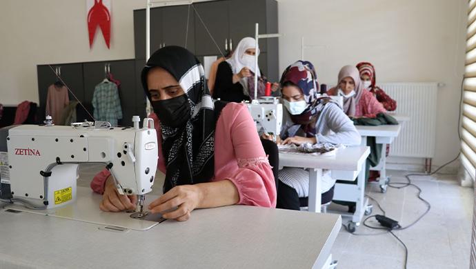 Seyrantepe'de kadınlar boş zamanlarını kurslarda değerlendiriyor-(VİDEO)
