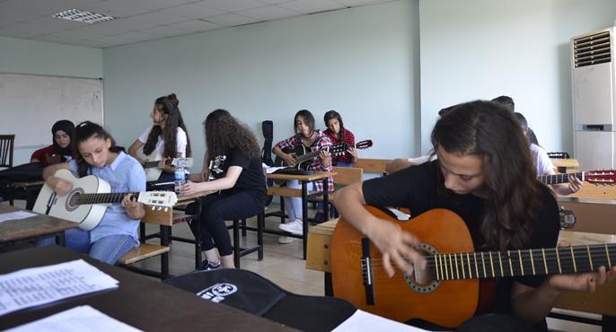 Siverek Belediyesi Yaz Okulu İle Öğrenciler Yaz Tatilinin Tadını Çıkarıyor