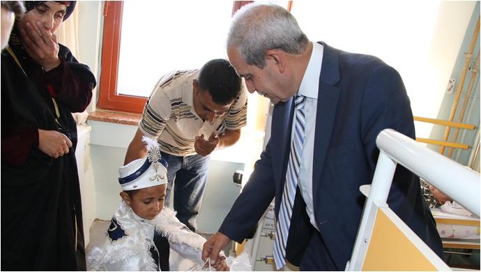 Sünnet Çocuklarına, Başkan Demirkol'dan Ziyaret