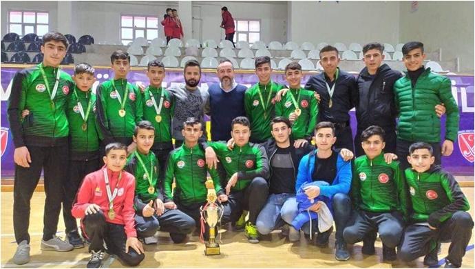 Suruç Hokey Takımı Türkiye Şampiyonu