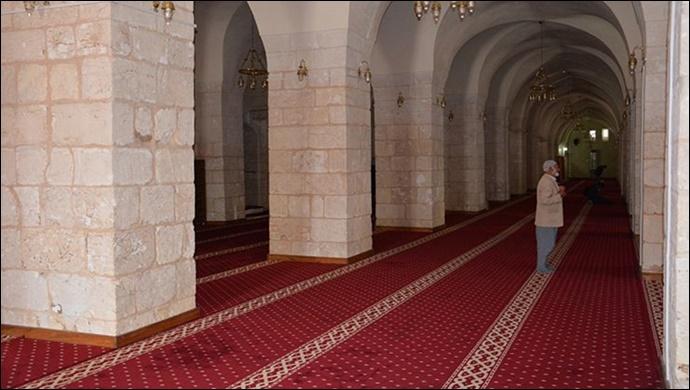 Tam kapanmada camilerde cemaatle namaz kılınacak mı? Erbaş tartışmalara noktayı koydu