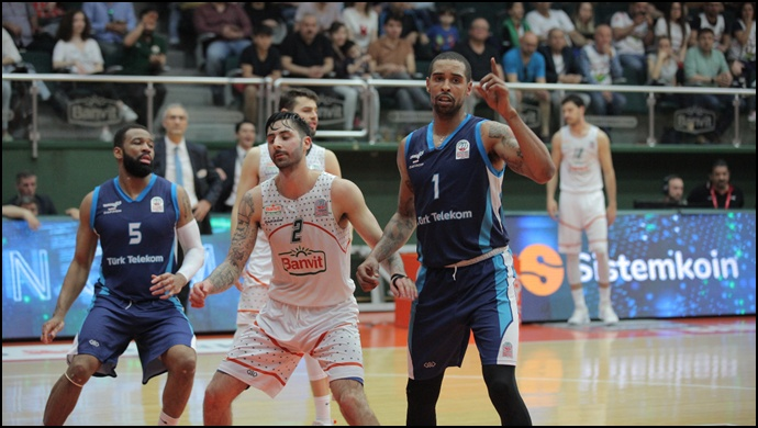 Türk Telekom Play Off'a galibiyetle girdi: 96-83