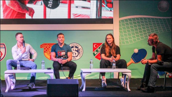 Türkiye'nin sporcuları İzmir'in Fuarı'nda buluştu