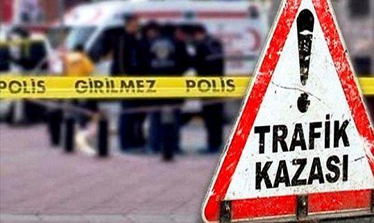 Urfa'da Biçerdöver ile kamyonet çarpıştı: 2 yaralı