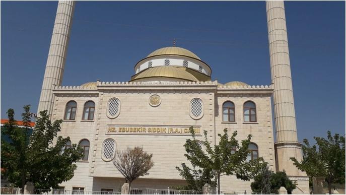 Urfa'da Camiye dadanan hırsızlar kameralara yakalandı-(VİDEO)