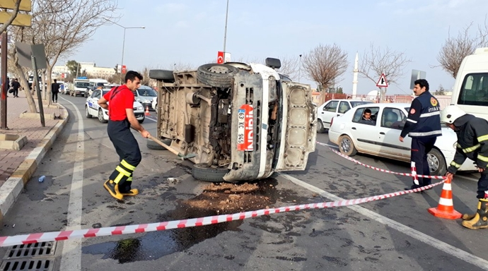 Urfa'da kaza: Yaralı var