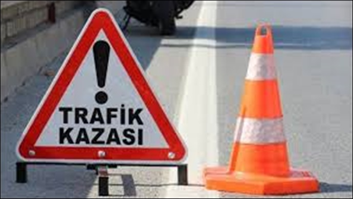 Urfa'da Kontrolden Çıkan Otomobil Bariyerlere Çarpt:2 yaralı