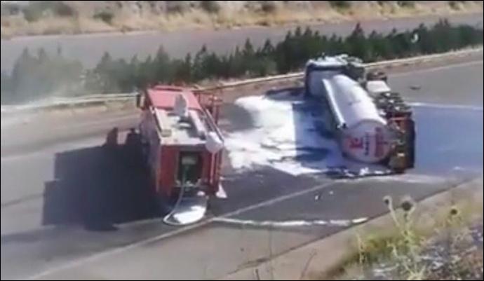 Urfa'da Petrol Yüklü Tanker Devrildi:1 Yaralı
