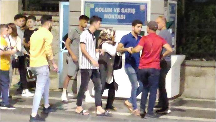 Urfa'da taciz iddiası ortalığı karıştırdı! Linç girişimi-(VİDEO)