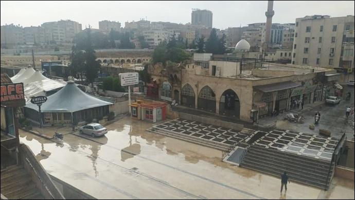 Urfa'da yaz yağmuru yüzleri gülümsetti