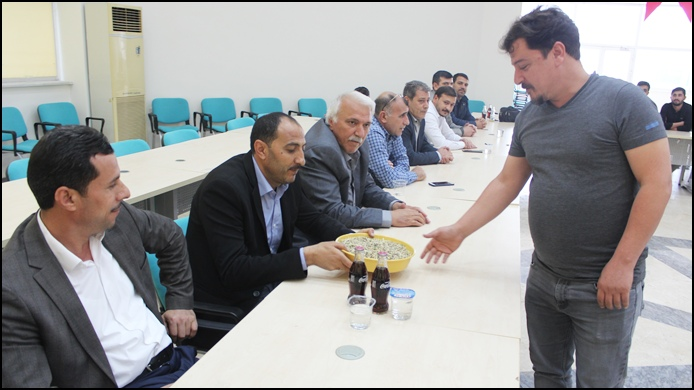 Urfa'da Yılın İlk Mahsul Arpası Satıldı