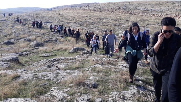 Urfadosk: Geniş Katılımlı Doğa ve Tarih Yürüyüşü Gerçekleştirdi-(Fotolu)