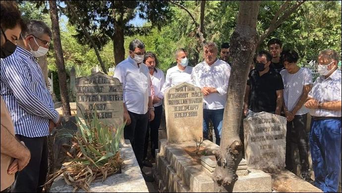Urfa'nın önemli değerlerindendi: Uyanık mezarı başında anıldı