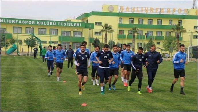 Urfaspor'da Transferler Kimseyi Memnun Etmedi,Camia kaliteli transfer istiyor!