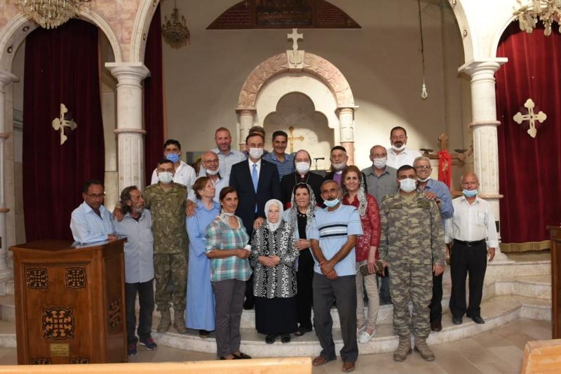 Vali Erin, Resulayn'daki Süryani Cemaatiyle Buluştu