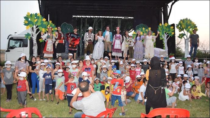 Viranşehir Belediyesinden Çocuklara Yönelik 'Altın Kız' Tiyatro Oyunu