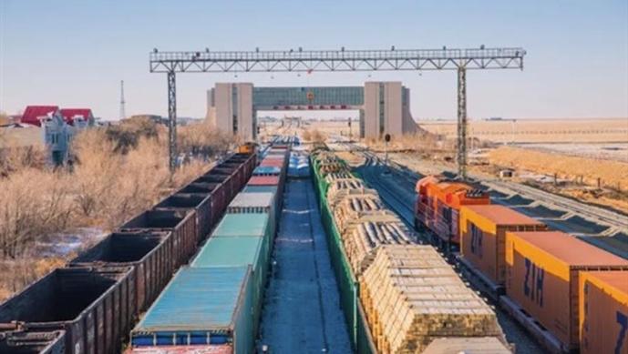 Xinjiang'dan Avrupa'ya giden tren sayısı 8 bini geçti