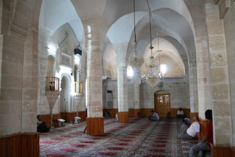 Yarın Cuma namazı camilerde kılınacak mı? Merak edilen soru yanıt buldu